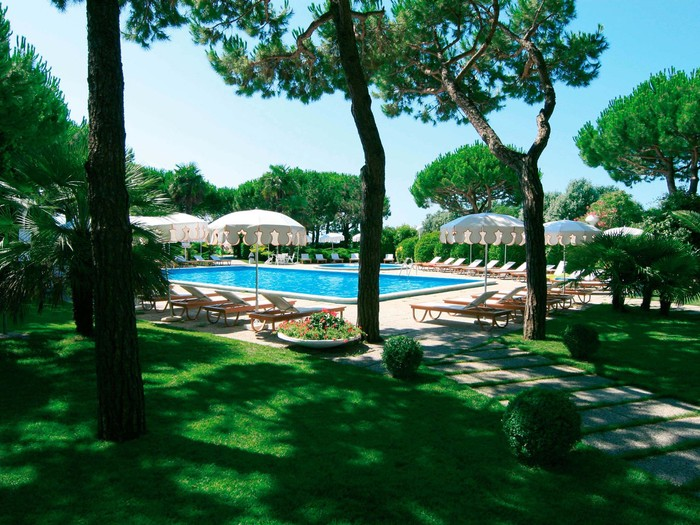 First sun beginning save 30%   from 21/05 to 28/05 and from 02/06 to 05/06